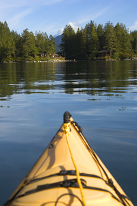 Desnt_lodge_from_kayak