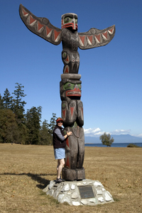 Karen_with_newcastle_totem_1